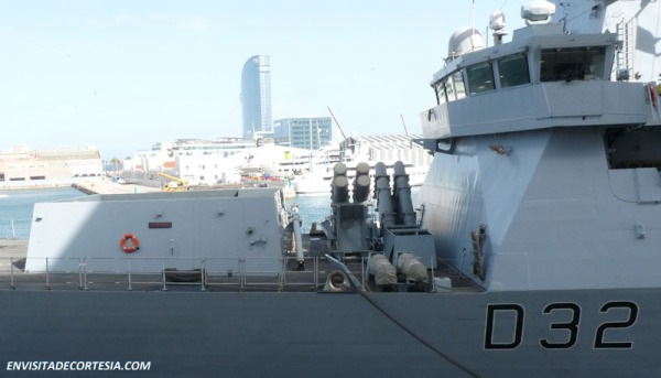 HMS Daring D32_2