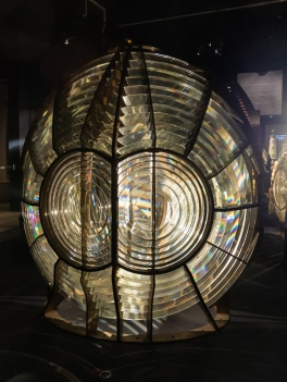 Lentille de Fresnel, Musée national de la Marine, Paris, France