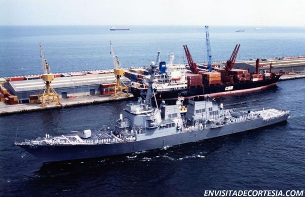 USS Mitscher DDG-57 02