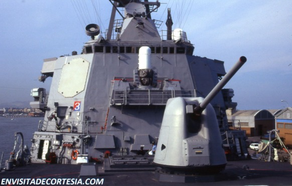 USS Mitscher DDG-57 07