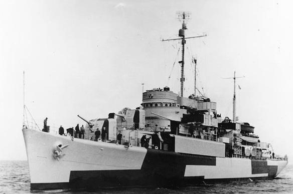 USS Orca AVP-49 1944 03.jpg