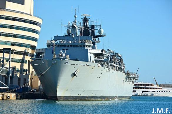 HMS Bulwark L-15_2
