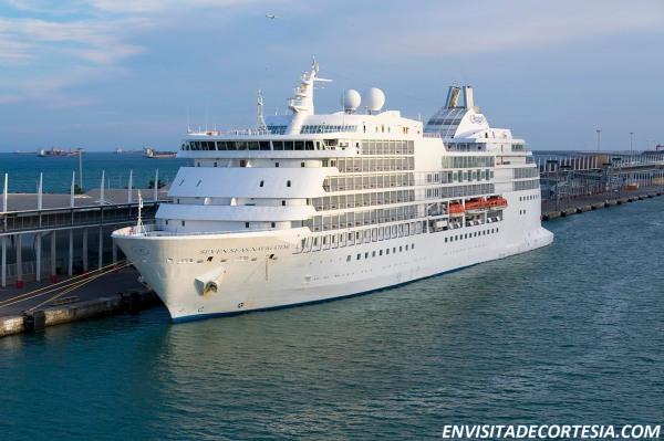 Seven Seas Navigator 02