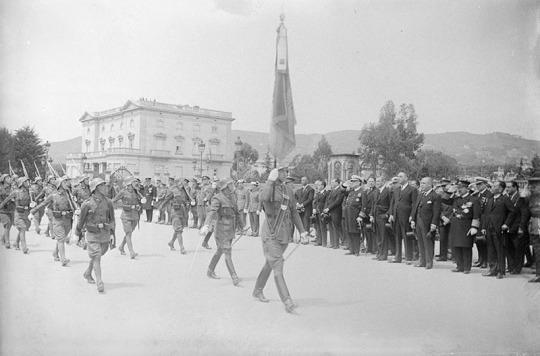 Soldados españoles - desfile