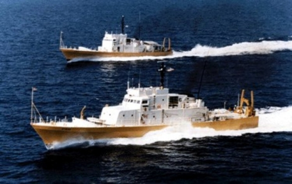 US_Naval_Sea_Systems_Command_research_vessels_Athena_and_Athena_II_underway.jpg