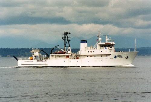 NOAAS McArthur II