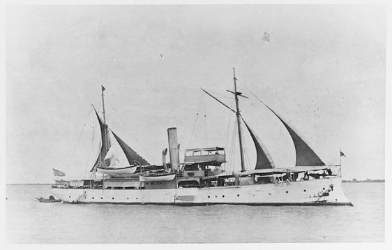 USS Elcano 01