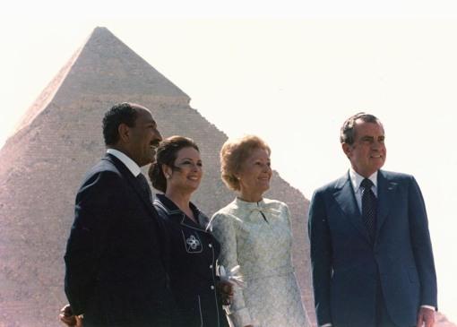E2995-11-11A_Pyramid_Anwar Sadat_Egypt_Nixon