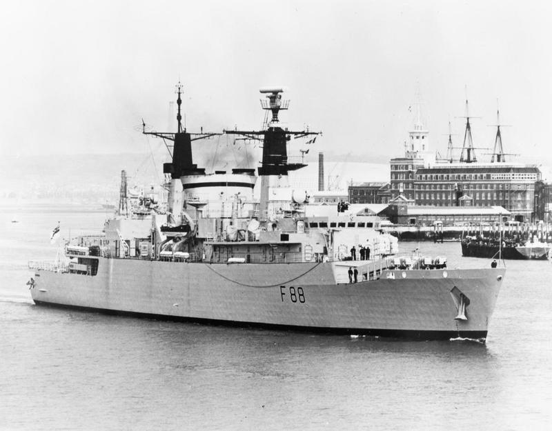 HMS Broadsword F88 - IWM