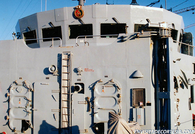 HMS Coventry F98 01 - ACV