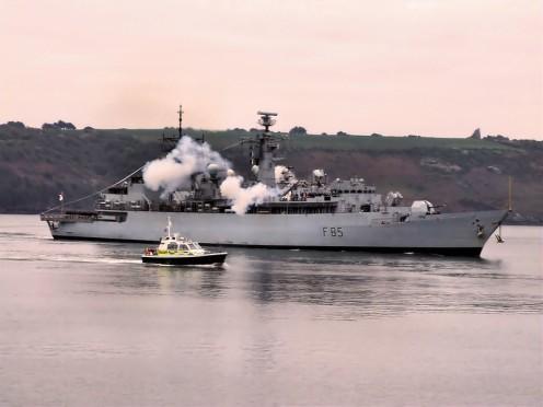 HMS Cumberland F85 06 - FW