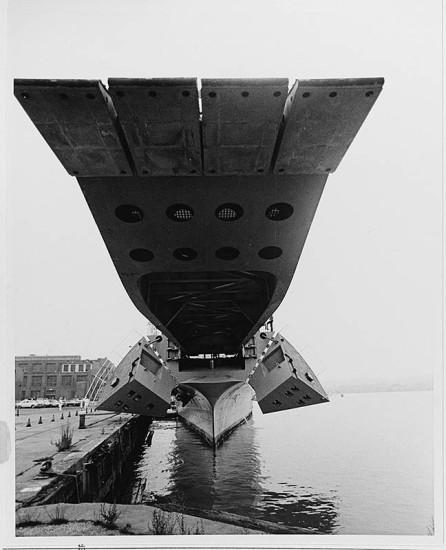 USS Newport LST-1179 02 - NHC