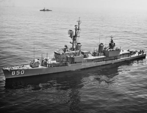 USS Joseph P. Kennedy DD-850 03 - NHC