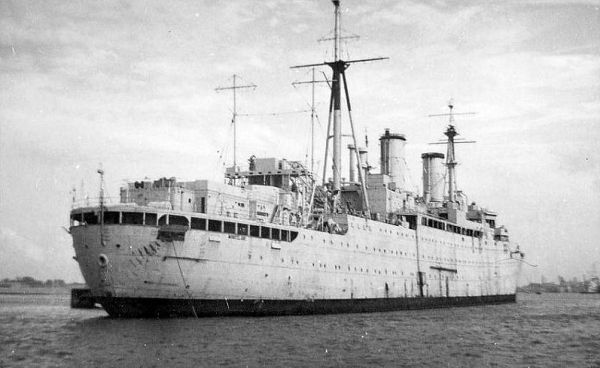 HMS Montclare F85 03