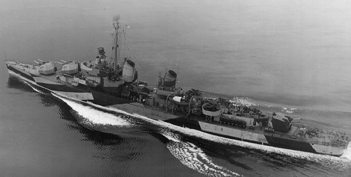 USS Harry F. Bauer DM26 06 - 1944 - USN