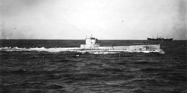 USS R-14 02 - WK