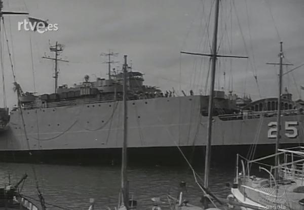 USS San Marcos LSD25 02 - FE